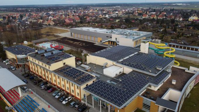 Centrum sportowe w Jarocinie zasilane energią słoneczną