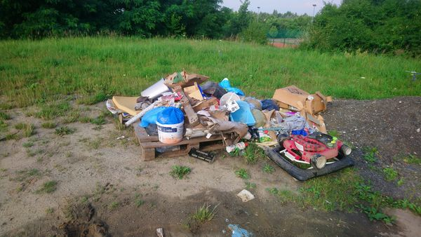 Nielegalne wysypisko odpadów szybko usunięte