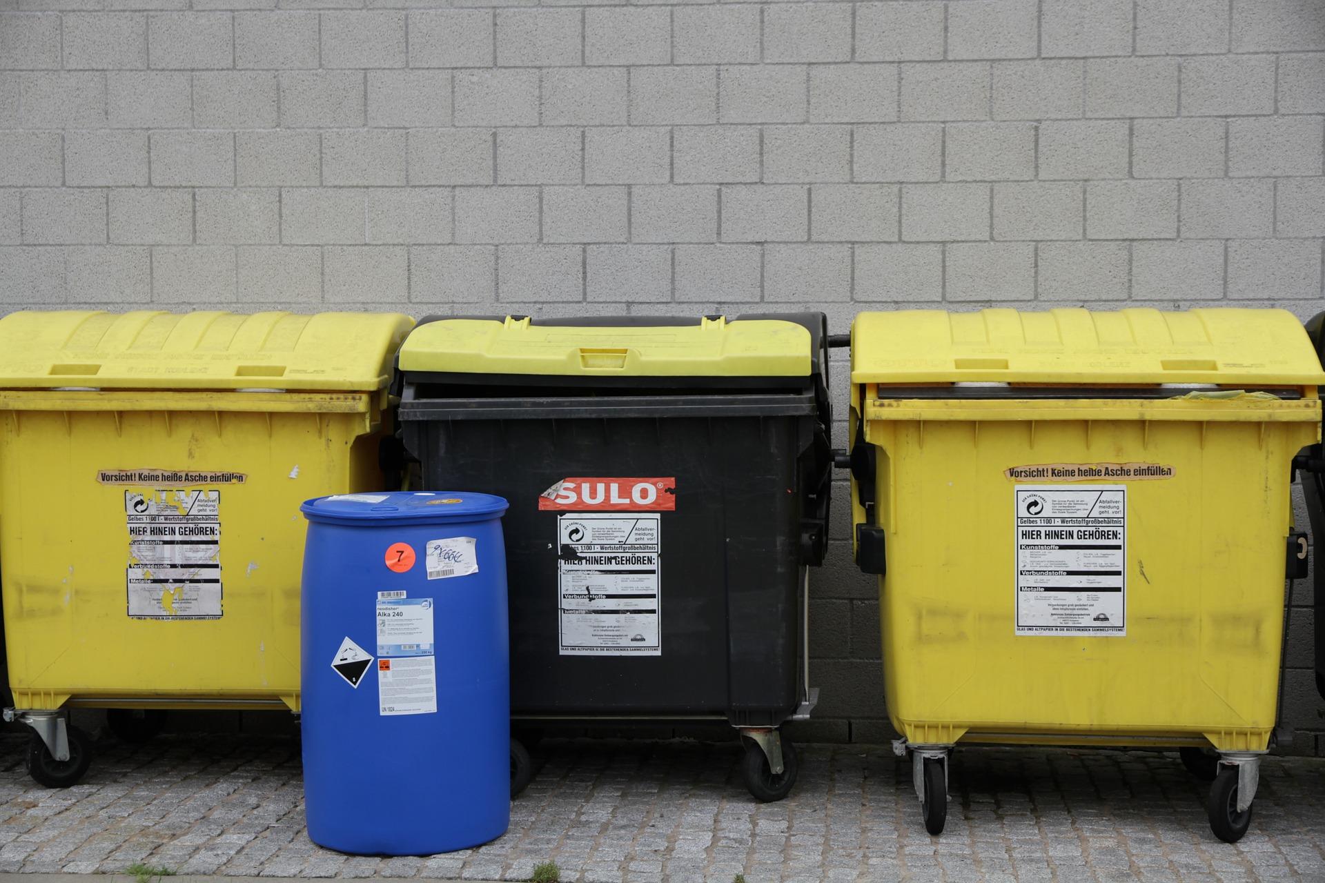 Pojemniki na odpady otwierane nogą – jest odpowiedź władz miasta