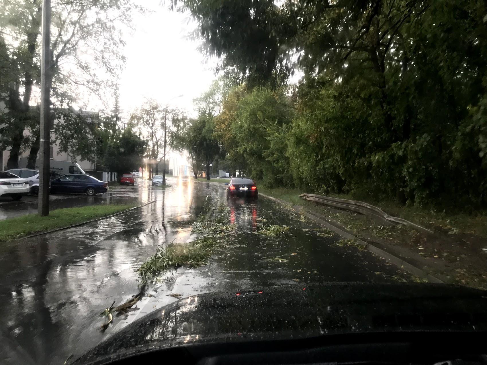 Miasto tłumaczy, dlaczego nie ostrzeżono ludności o nawałnicy, która w czerwcu zalała Poznań