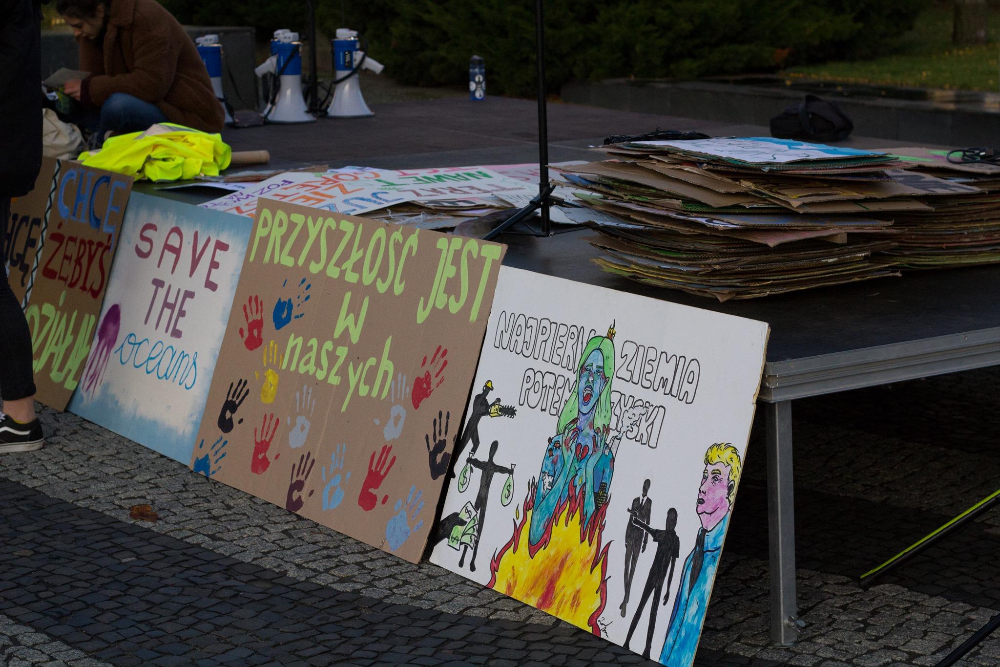 """Młodzieżowy Strajk Klimatyczny przejdzie przez centrum miasta, by pokazać """"betonozę"""""""
