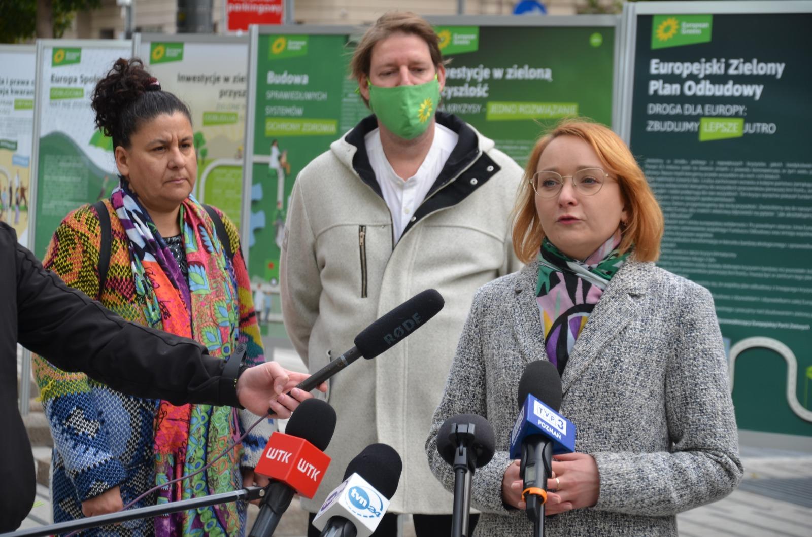 Zieloni zapowiadają złożenie projektu zakazu hodowli na futra